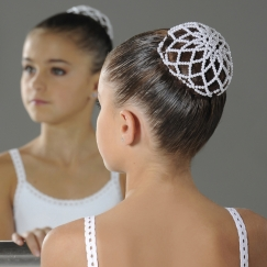 wear moi mini pearl hair bun cover