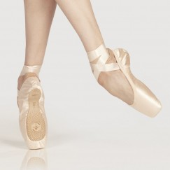 wear moi omega pointe shoe - reinforced hard shank