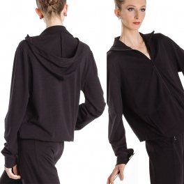 wear moi orika elite warm up hooded jacket