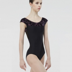 wear moi pearl cachemire collection short sleeve leotard