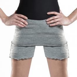 wear moi tiara warm up shorts